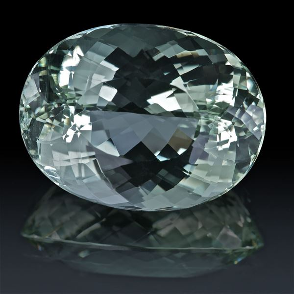 Beryll oval 39.51ct.