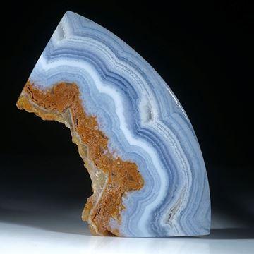 Chalcedon Freiform, beidseitig gespannt und poliert, teilweise naturbelassen