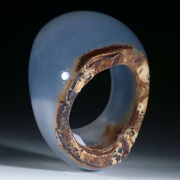 Chalcedon Ring poliert und naturbelassen