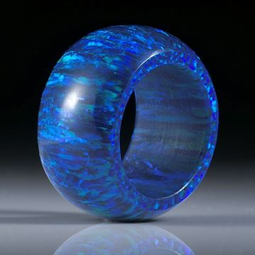 Fingerring aus synthetischem Opal