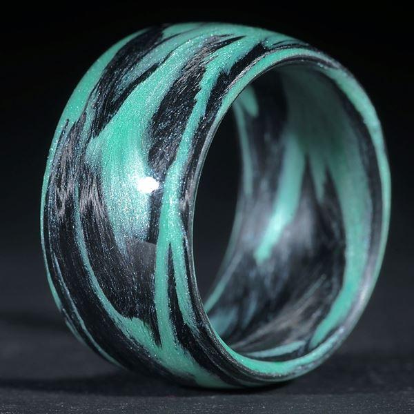 Fingerring: Karbon / Icy White, Cadmiumgrün (Duplex)