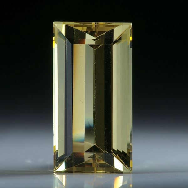Goldberyll Brasilien, ca. 18x9.5x7mm, 9.05ct.
