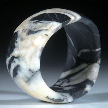 Kieselstein Ring, geschwungene Form