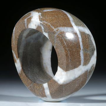 Kieselstein Ring, geschwungene Form und poliert