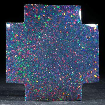 Kreuz aus synthetischem Opal