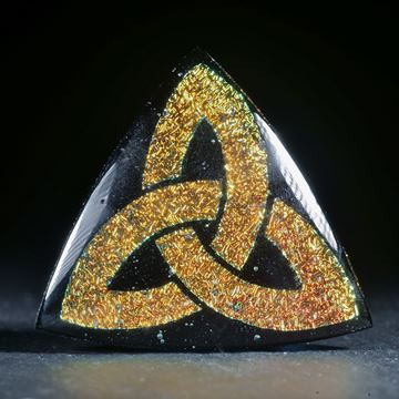 Opalglas Dreieckform mit keltischem Knotenmuster