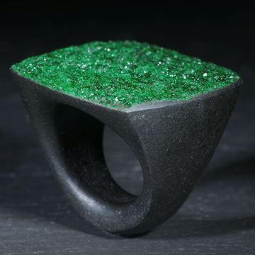 Uwarowit-Ring, Tafelschliff