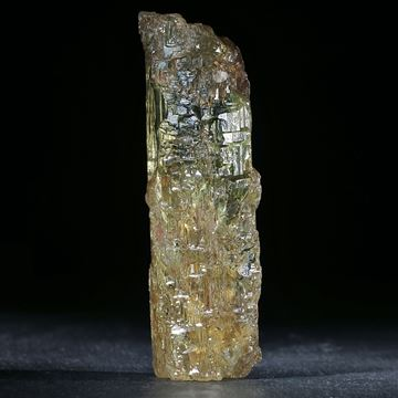 Goldberyll ca.109x32x32mm, 198g.