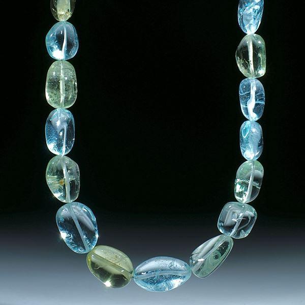 Beryll (Aquamarin und Goldberyll) Brasilien, Collier aus barocken Formen