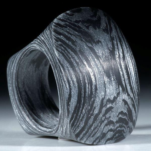 Carbonring handgewickelt mit Glasfaser Alu metallic, stumpfviereckiger Tafelring matt