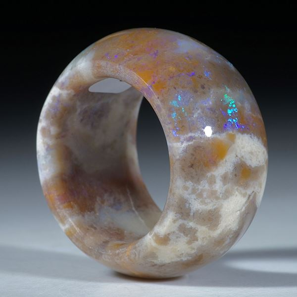 Edelsteinring Opal, Australien, parallele Form, bombiert und poliert