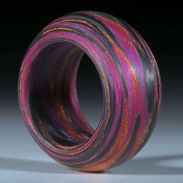 """Fingerring aus handgewickeltem Carbon mit Glasfaser """"V5"""""""