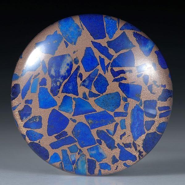 Lapislazuli in Bronzematrix, mit poliertem Bergkristall