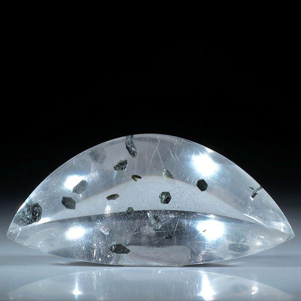 Quarz mit eingeschlossenen Hämatitkristallen