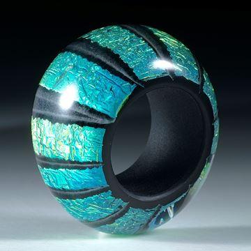 Opalglas Fingerring, aufwendig gearbeitet, Innendurchmesser 18.2mm