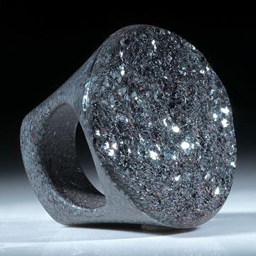 Ring aus Hämatitkristallen