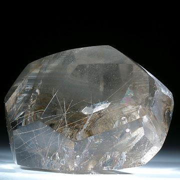 Rutilquarz mit schwebenden Kristalleinschlüssen