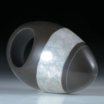 Kieselstein Ring mit Quarzlinie, hoch bombiert und poliert