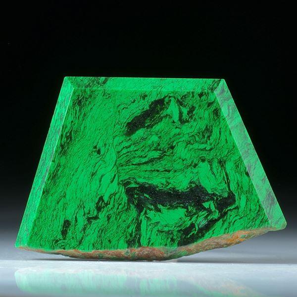 Maw-sit-sit, Jadeit, Freiform poliert, einseitig naturbelassen ca.54x36x6.5mm