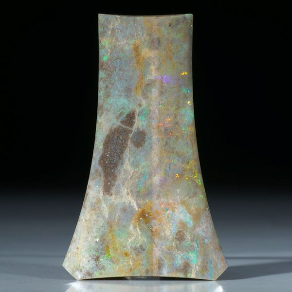 Edelopal Andamooka Australien, aufwendig geschliffene Fantasieform ca.63x39x5mm