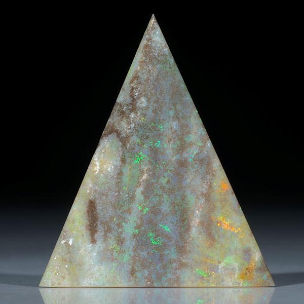 Edelopal Andamooka Australien, Dreieckform ca.47x41x3mm