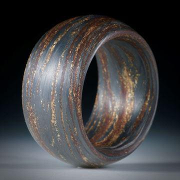 Fibertec: Karbonring mit Glasfaser Umbra gebrannt und Glitzergold