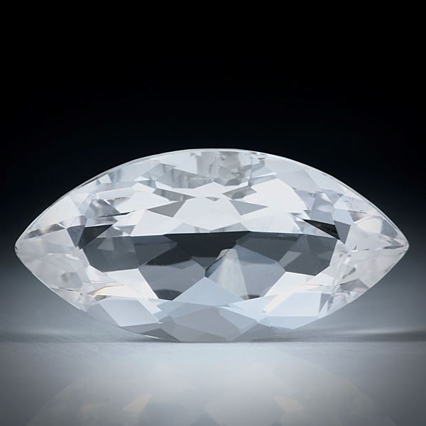 schweizer Bergkristall facettiert, 23.59ct. Navetteform ca.30x15x11mm