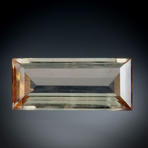 Andalusit 1.82ct.  Treppenschliff ca.11.5x5x3mm