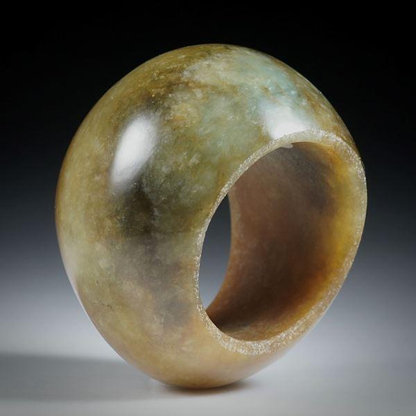 Edelsteinring Jade (Jadeit), im Verlauf geschliffen und poliert
