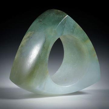 Edelsteinring Jade (Jadeit), aufwendig geschliffener Ring poliert