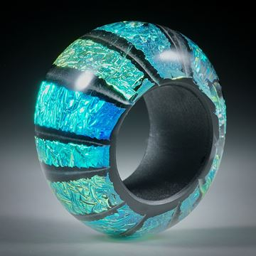 Fingerring Opalglas (Dichroic Glas), im Verlauf geschliffen und poliert