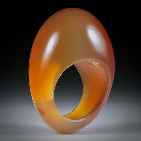 Edelsteinring Karneol, im Verlauf geschliffen und poliert, Innendurchmesser 18.6mm
