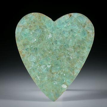 Fluoritkristalle auf Muttergestein aufgewachsen, Herzform ca.45x40x7mm