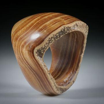 Steinring Tropfstein (Aragonit) mit naturbelassener Seite
