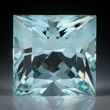 Aquamarin Princess Cut ca.15x15x11mm 15.24ct.