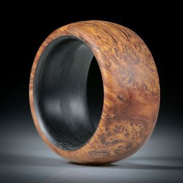Fingerring Bruyere Maserholz hochdruckstabilisiert, mit Karbon Innenring
