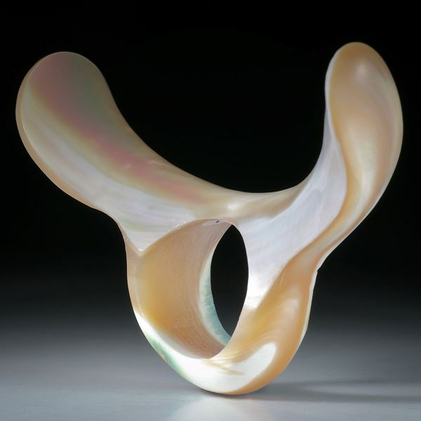 Fingerring aus einer Meeresschnecke (marmoratus)