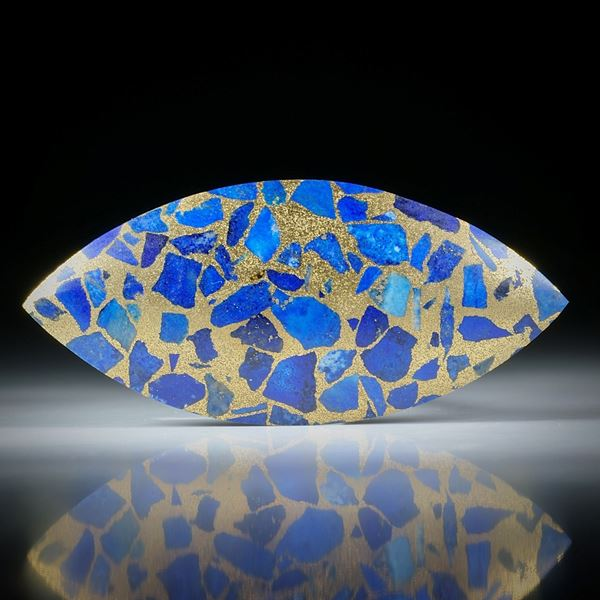 Lapislazuli in Messingmatrix, handgeschliffene Navette