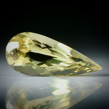Goldberyll Tropfen facettiert 8.49ct.  23x10x8mm
