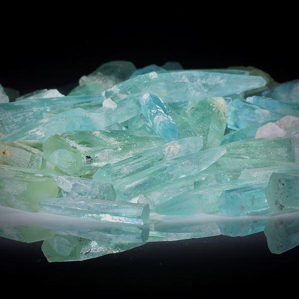Aquamarinkristalle 1 Lot 459.93ct.  Kristalle von ca.20 bis 25mm Länge
