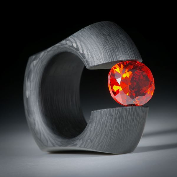 """Karbon Spannring mit Zirkonia 12x10mm """"Padparadscha"""", Breite 13.5mm, Innendurchmesser 18.6mm"""