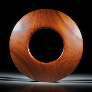 Zwetschgenholz Armreif poliert, hohes Dreieckprofil mit abgerundeten Kanten, Innendurchmesser 65.5mm