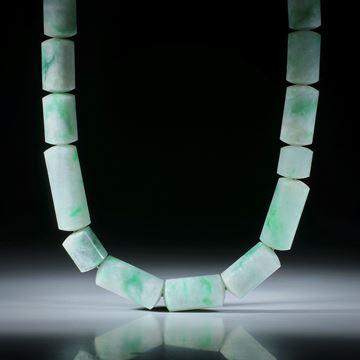 Edelsteincollier Jade (Jadeit), polierte Zylinderformen mit 10mm Durchmesser, Stirnseiten bombiert, Länge 46cm