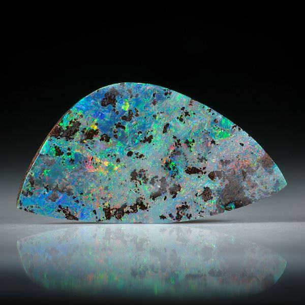Edelopal, Boulderopal Australien, 6.41ct. Fantasieform beidseitig geschliffen und poliert ca. 24x12x3mm