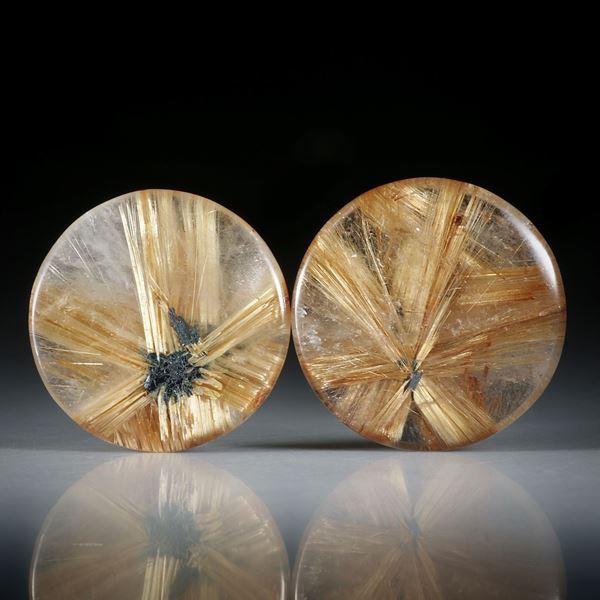 Rutilstern Paar, 22.38ct. runde Cabochon, beidseitig bombiert geschliffen und poliert, je ca.18x18x4.5mm