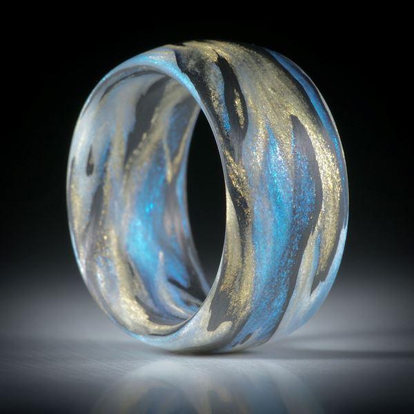 Fingerring Fibertec, Karbon mit Glasfaser Mira Sonnengold und Mira Türkis, handgewickelt matt, parallel innen/aussen gerundet, Breite 12mm