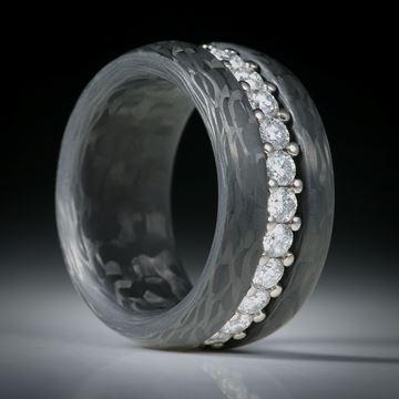 Diamantring, Eternityring mit Karbon, Weissgold 18K mit 25 Brillanten à 2.7mm Durchmesser, 1.94ct.