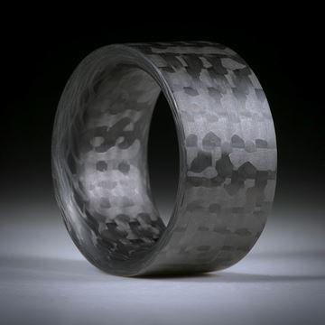 Karbon Fingerring, handgeschliffene parallele Form, innen gerundet, Breite 13mm, Innendurchmesser 20.5mm