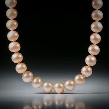 Perlencollier Süsswasser, Durchmesser 8.5 - 9mm, Gesamtlänge 46cm, geknüpft, mit Goldverschluss