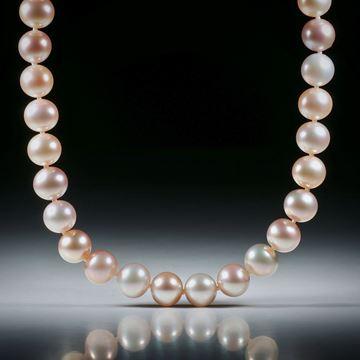 Perlencollier Süsswasser, rosa rund, Durchmesser ca. 8mm, Gesamtlänge 46cm, geknüpft, mit vergoldetem Silberverschluss